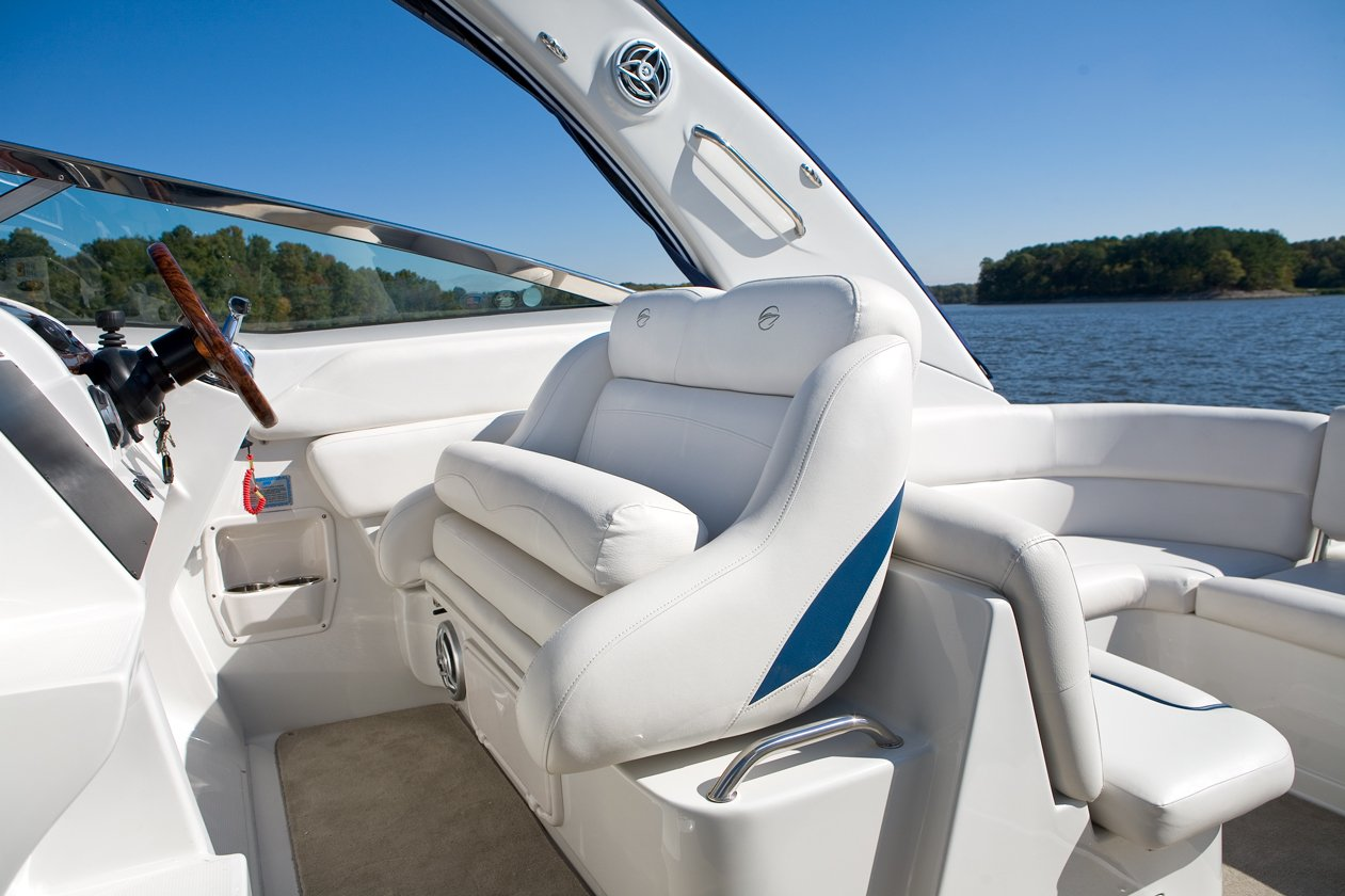 Use your boat like a floating lake house that you can take wherever you wish. Tie up at a different marina each weekend. It is there to discover with a cruising vessel.