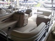 Bennington Pontoon 16SL with a Yamaha 40
